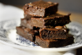 Brownies SaudávBrownies Saudáveis de Chocolate e Abacate {Healthy Chocolate Avocato Brownies}eis de Chocolate e Abacate